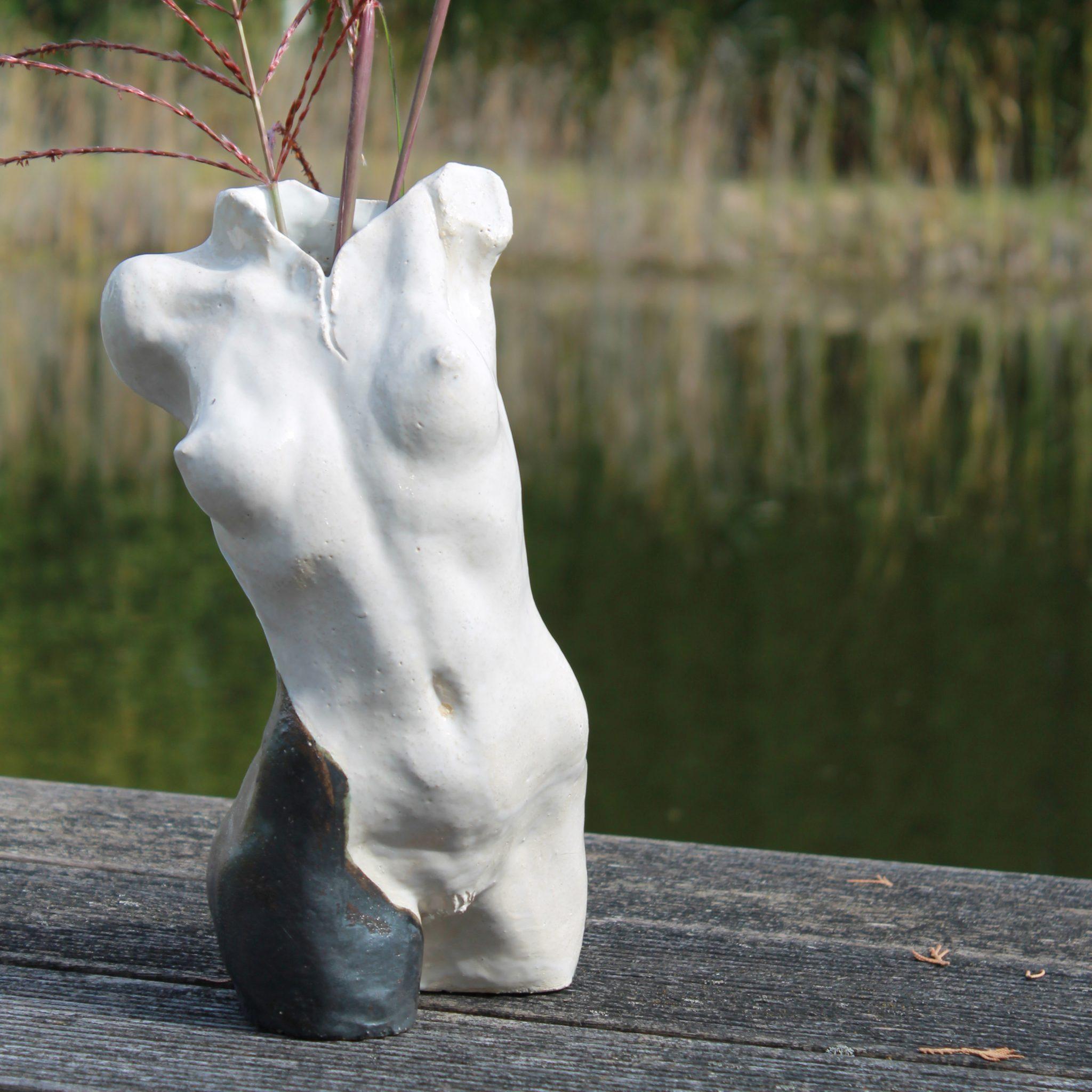 Dekofigur & Vase VENUS weiß schwarz