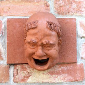 """Skulptur """"MÖNCHSKOPF MIT TONSUR"""" Mauerskulptur von Dirk Detlefsen"""