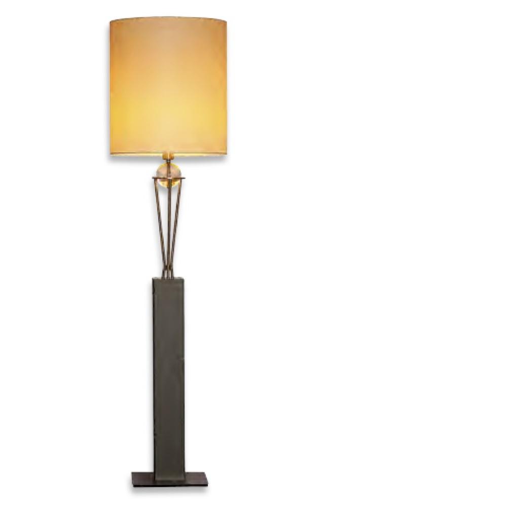 Geräumig Stehlampe Mit Schirm Foto Von