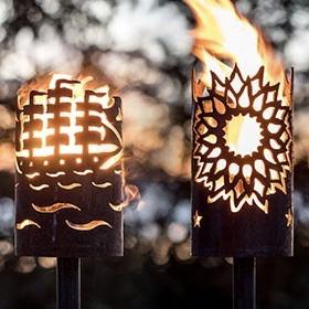 Gartenfackeln & Feuerstellen