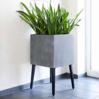 Pflanzkübel / Blumenkasten auf Füßen CARLOTTA grau 46 x 46 cm