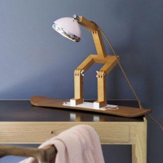 Design Tischlampe MR. WATTSON PIFFANY Copenhagen auf Snowboard