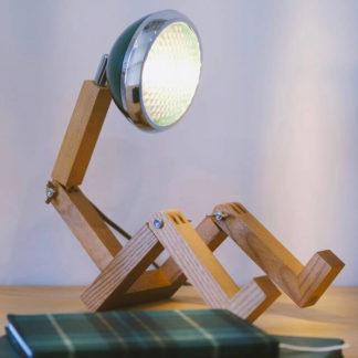 Design Tischlampe MR. WATTSON Lampe Chiltern Green Piffany Copenhagen aus Eschenholz H 40 cm
