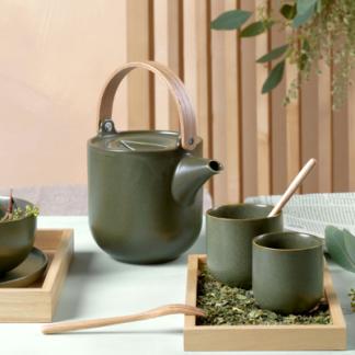 Teekanne mit Holzgriff | Teebecher 2er Set | Dessertteller NORI ASA