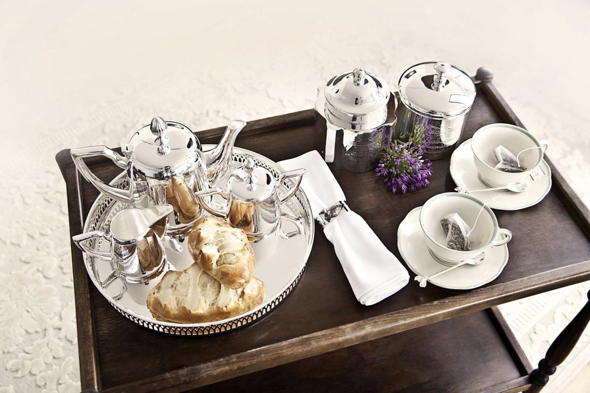 Edzard Kaffe & Tee