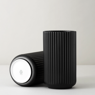 Vase LYNGBY Porzellan schwarz H 20,5 | 25,0 cm
