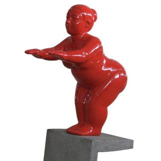 Dekofigur SCHWIMMERIN auf Sockel stehend rot H 62 cm