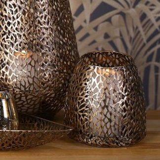 Windlicht PURLEY Casablanca antikgold H 46 cm- Dekoratives Windlicht aus Metall in antikisierter goldener Optik mit schönen Lichteffekten beim Abbrennen von Kerzen.