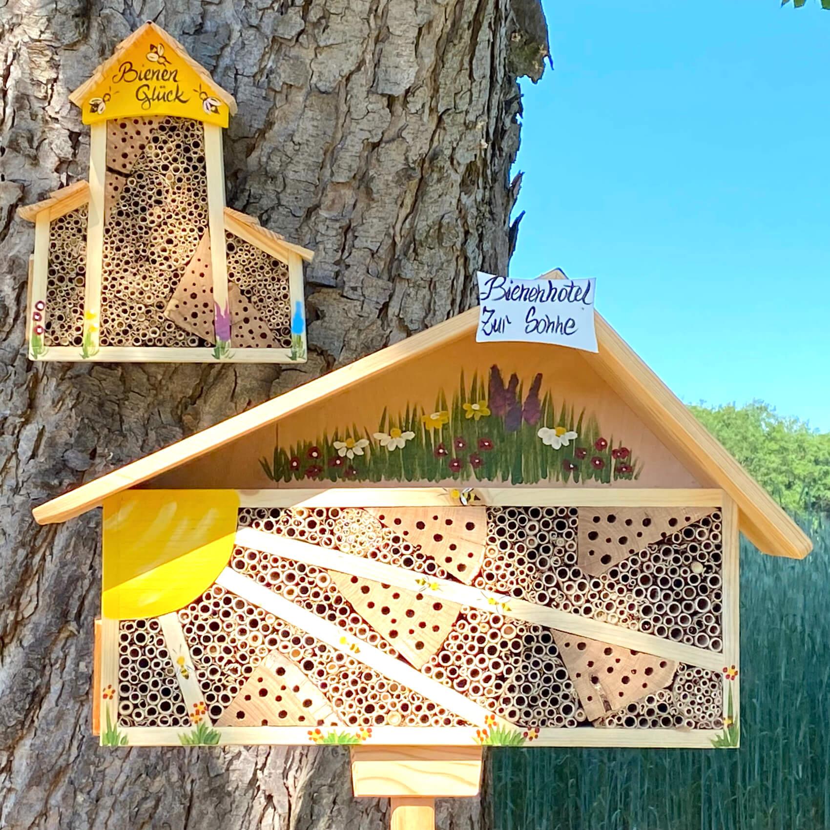 Insektenhotels, Bienenhotels, Igelhäuser & Eichhörnchen Futterhäuser